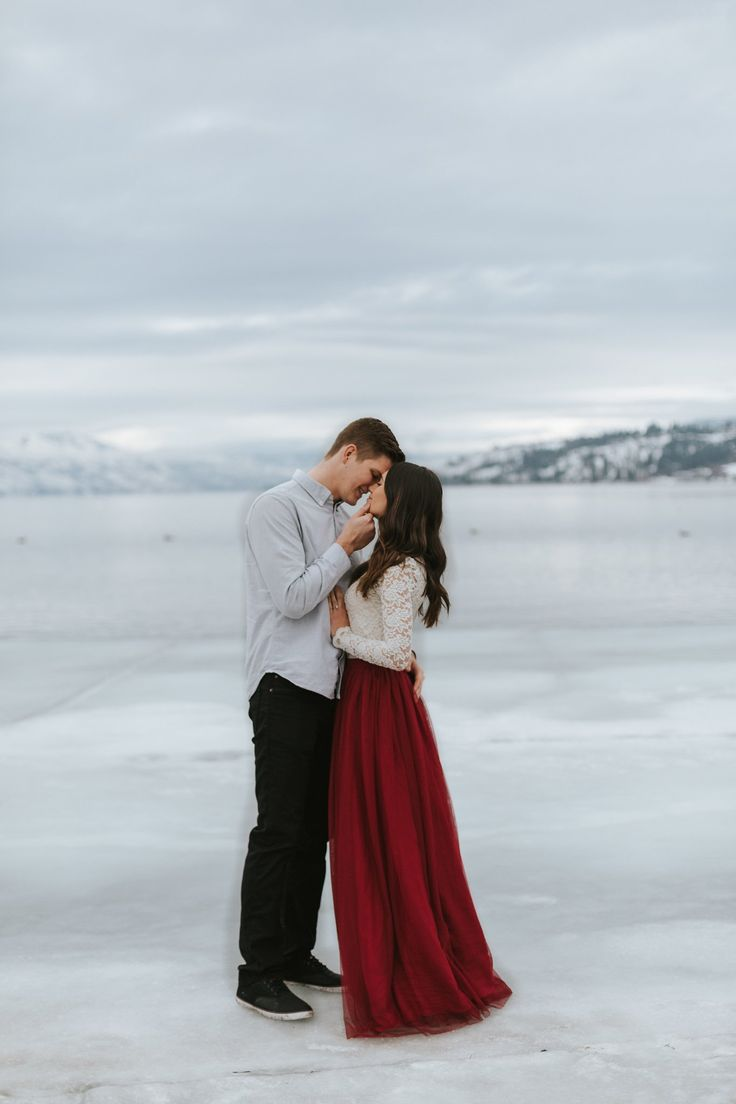 Our Engagement Story + Photos – Kristen Neil Winter Engagement Shoot