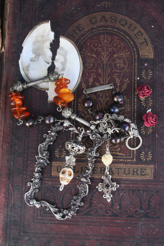 Gothic necklace Skull memento mori Gothic jewelry Memento