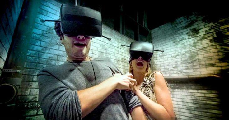 """O famoso evento de Halloween do parque Universal Orlando é conhecido pelos seus diversos cenários assustadores. São construídas várias casas mal-assombradas, zonas de sustos, entre outras atrações. Mas este ano o parque está levando o terror para uma nova dimensão com """"The Repository"""", uma experiência de realidade virtual nas noites de Halloween do parque. Serão utilizados tecnologia de realidade virtual com personagens e ambientes reais."""