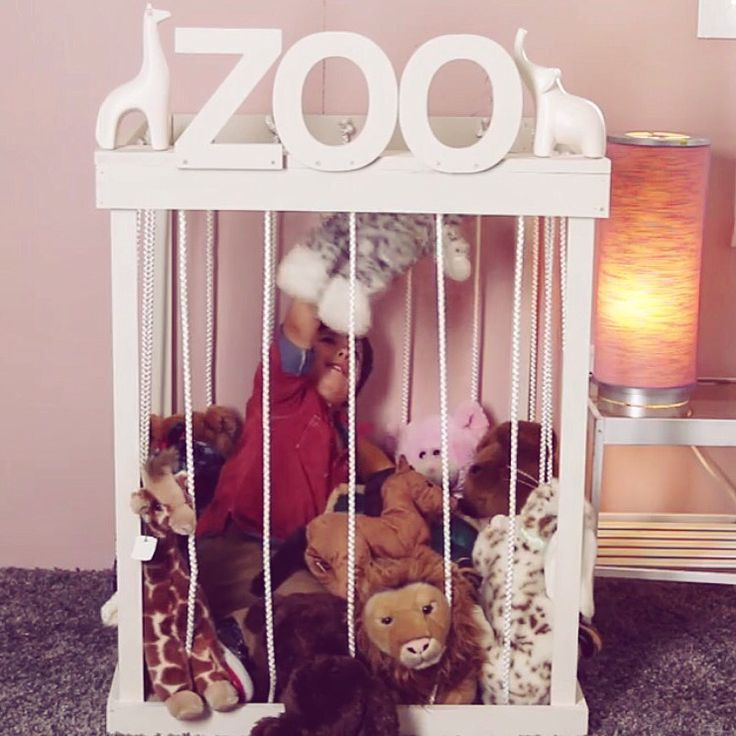"""Make a """"zoo"""" for all stuffed animals! Genius!"""