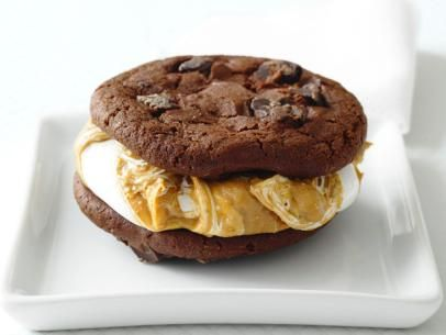 Choose from hundreds of See chocolate-peanut butter whoopie pies recipes, which are easy to cook the food. Description from recipes100.com. I searched for this on bing.com/images
