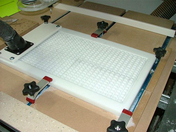 Total Guide to DIY CNC Router Vacuum Tables  https://www.kznwedding.dj