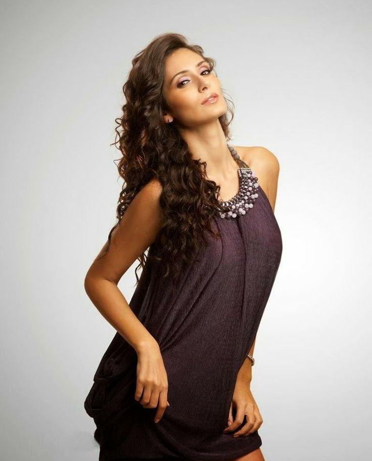 Bruna Abdullah Hot Images - Cinema Aajtak