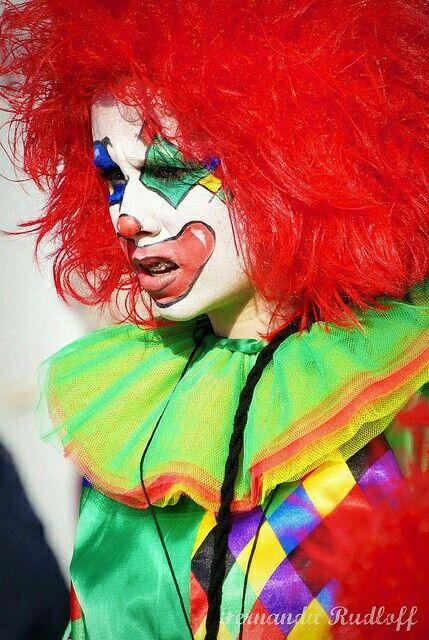 200 besten clowning around bilder auf pinterest clowns clown gesichter und clowngem lde. Black Bedroom Furniture Sets. Home Design Ideas
