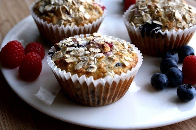 Mango & Tomato: Blueberry & Raspberry Oatmeal Muffins #fruit #healthy #breakfast