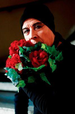 """La voz de la """"Loca"""" : crónica y deseo urbano en """"La esquina es mi corazón• (1995) de Pedro Lemebel / María Angélica Franken Osorio. En: Mitologías hoy (ISSN-e 2014-1130), n. 11 (Enero-Junio 2015), p. 122-135. / ES / Artículos / Open Access / Chile / Crónicas / Espacio público / Homosexualidad / Literatura / Marginalidad / Pedro Lemebel / Transgresión"""