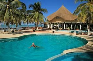 Senegal Thies Mbour  Bonjour! Hotel Africa Queen is klein van formaat maar groots in gastvrijheid. De zee voor de deur wuivende palmbomen en een wit zandstrand waaraan je kilometerslang kunt wandelen. Verwacht geen...  EUR 449.00  Meer informatie  #vakantie http://vakantienaar.eu - http://facebook.com/vakantienaar.eu - https://start.me/p/VRobeo/vakantie-pagina