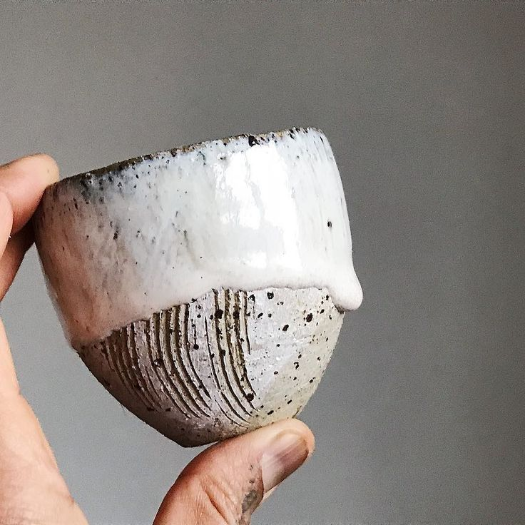 Drrrrip... . Little stoneware cup with drip. . I still have a few left Ill be selling in my end of year jewellery and ceramics sample sale . @benkandbo Christmas Makers Market 9/10 December 4-6 Gravel Lane E1 7AW . #tamaragomezstudio #spiritinspired #makersmovement #craftanddesign #madewithlove #thehandmademovement #turningearth #turningearthuk #handmadeceramics #pottery #londonmakers #crafts #craftmansship #madeinlondon #ceramicart #cremerging #londonmade #clay #makerspace #eastlondon…