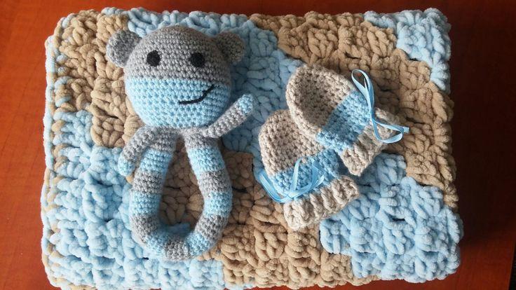 Crochet baby set toy - mittens - blanket