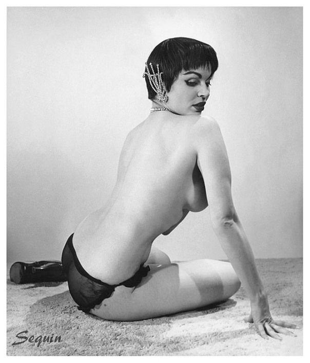 Vintage burlesque nude