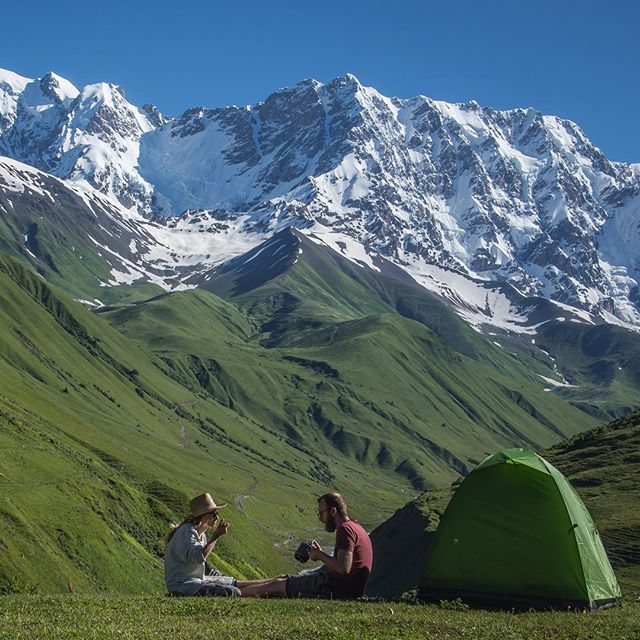 Very good morning from Ushguli!  #georgia #gruzja #ushguli #mountains #mountainlife #morning #coffee #coffeetime #livesimply #freedom #camping #wildcamping #tent #ComeBackNew #collectivelycreate @wilderness_culture  @ourcamplife @earthfocus