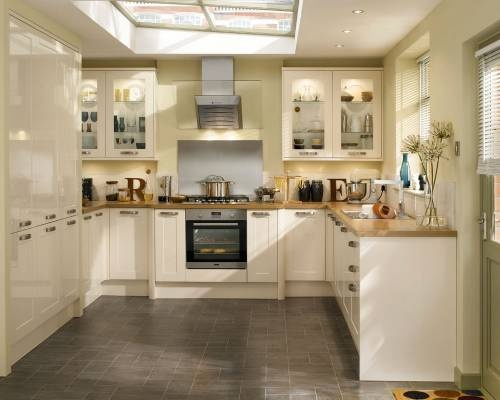 Best 25 cream gloss kitchen ideas on pinterest for Cream kitchen ideas