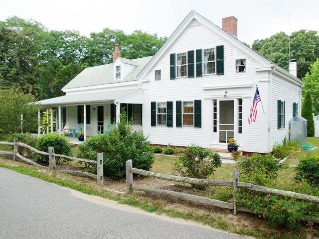 17 Best Images About Cape Cod Exterior Interior Pins On Pinterest Atlanta Homes Dutch