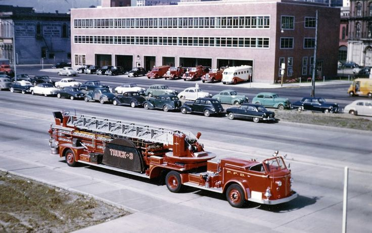 transpress nz: early 1950s American LaFrance turnable ladder fire ...