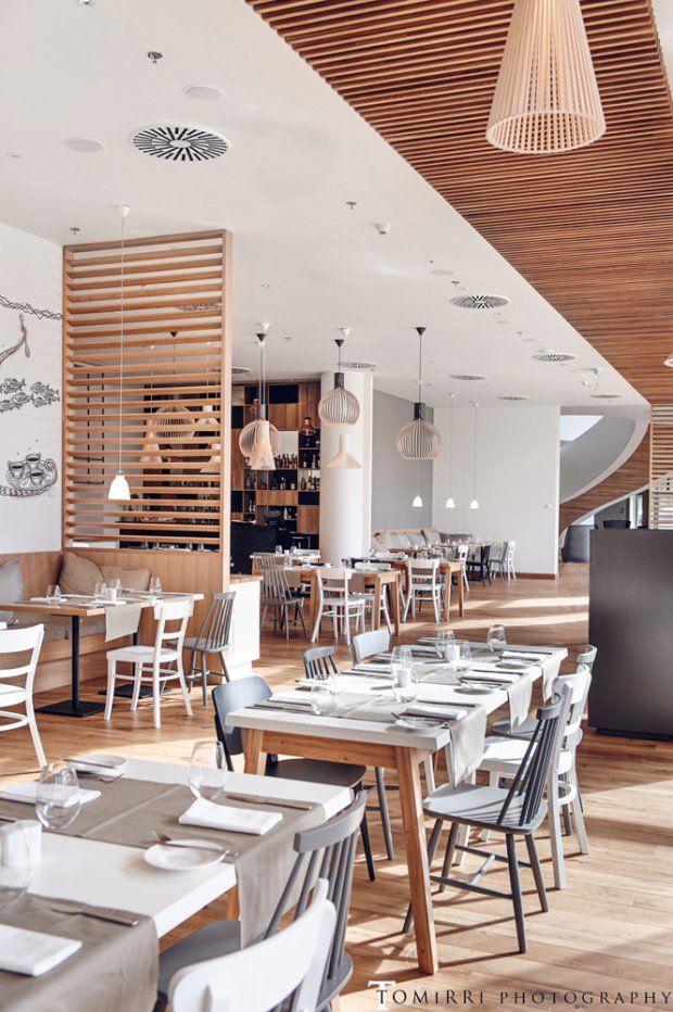 Architekci udowodnili, że za pomocą drewna można kreować wiele innych elementów, nie tylko proste meble i okładziny. - zdjęcie