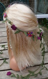 String Theory Crochet: Spring Flowers! A free pattern for a crochet hair garland.