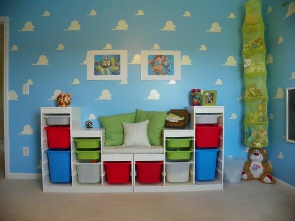 organization for toys home decor pinterest salles de jeux super nounou et rangement. Black Bedroom Furniture Sets. Home Design Ideas