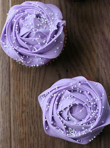 Lilac Roses cupcakes