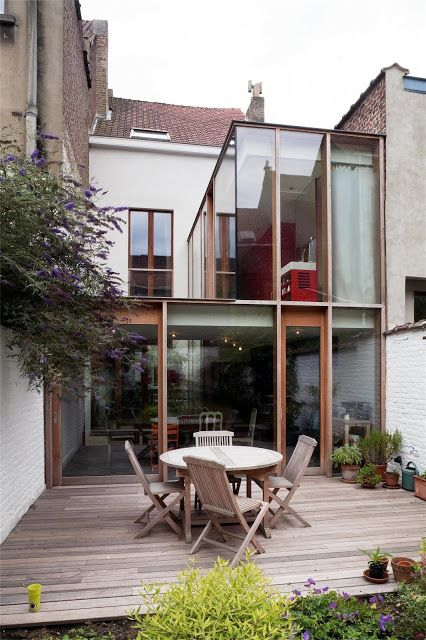 Residence addition in Brussels by Ledroit - Pierret - Polet