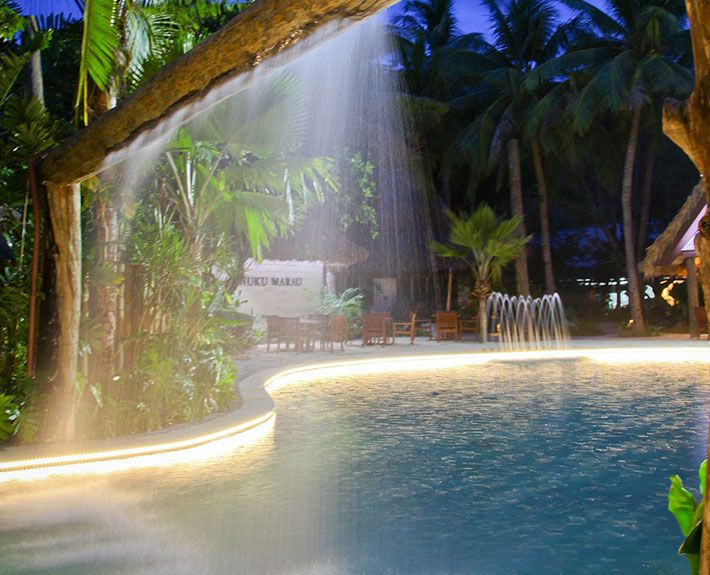 Nuku-Marau-Pool-Bar-and-Grill5-Fiji-Resort-Dining