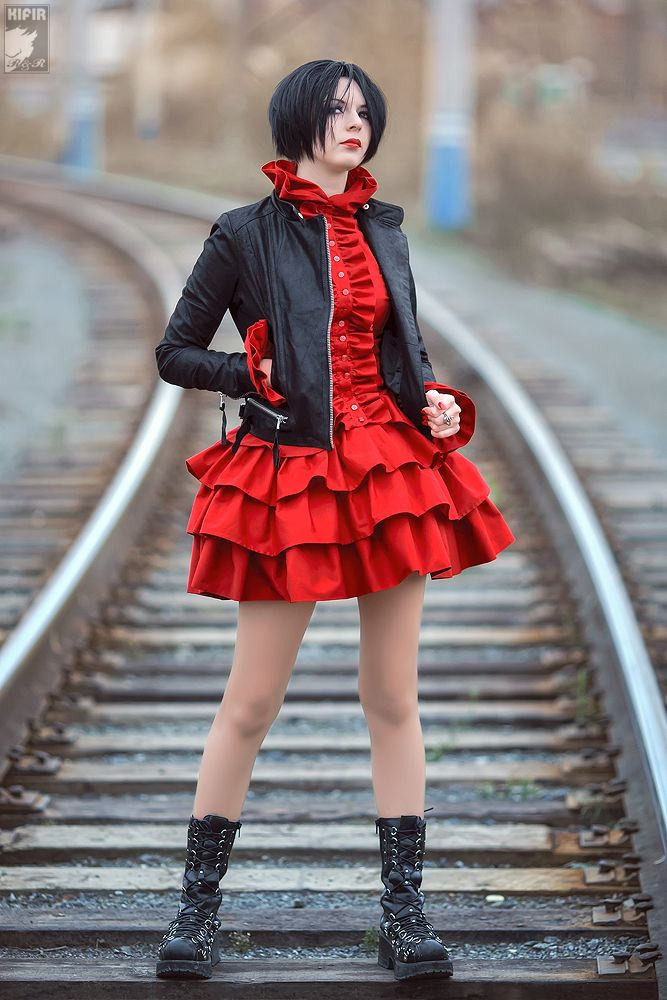 Nana Osaki Cosplay Red Dress Outfit Cosplay