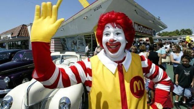 McDonald's restringirá apariciones de su icónico personaje para no ser confundido con los payasos macabros - Diario La Página El Salvador