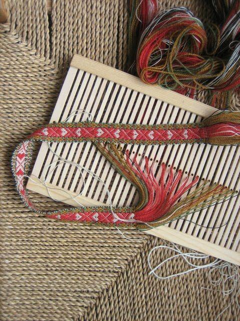YARN JUNGLE: Band weaving