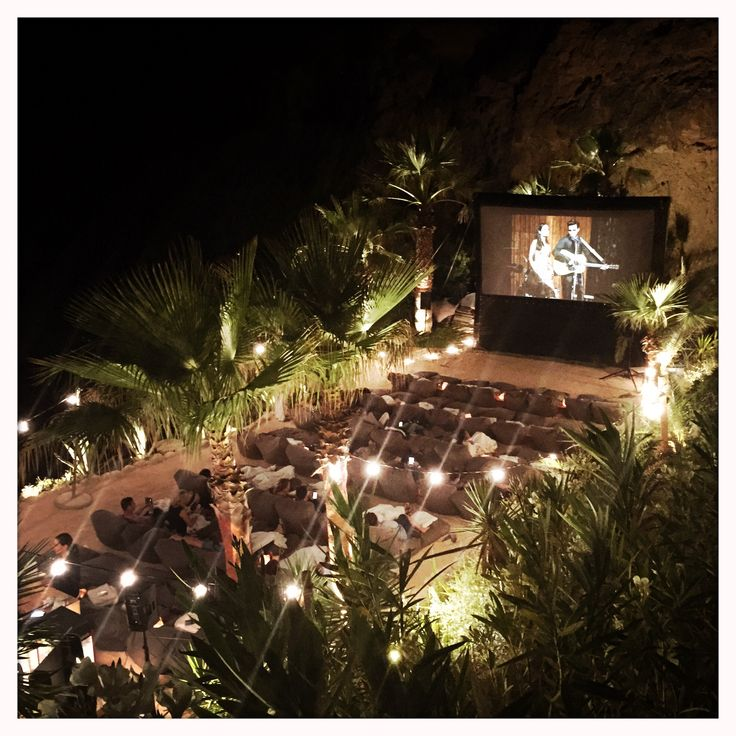 Lime in The coconut - Open Air Cinema - Ibiza Tips - Amante Beachclub - IBIZAGUIDE - Best of Ibiza - MyTravelBoektje