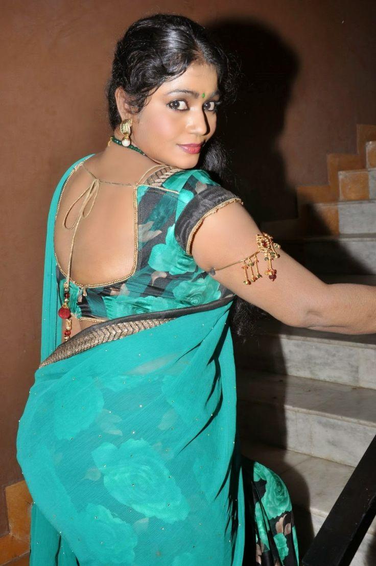 Aunty Actress Jayavani Hot Hd Photos In Saree At