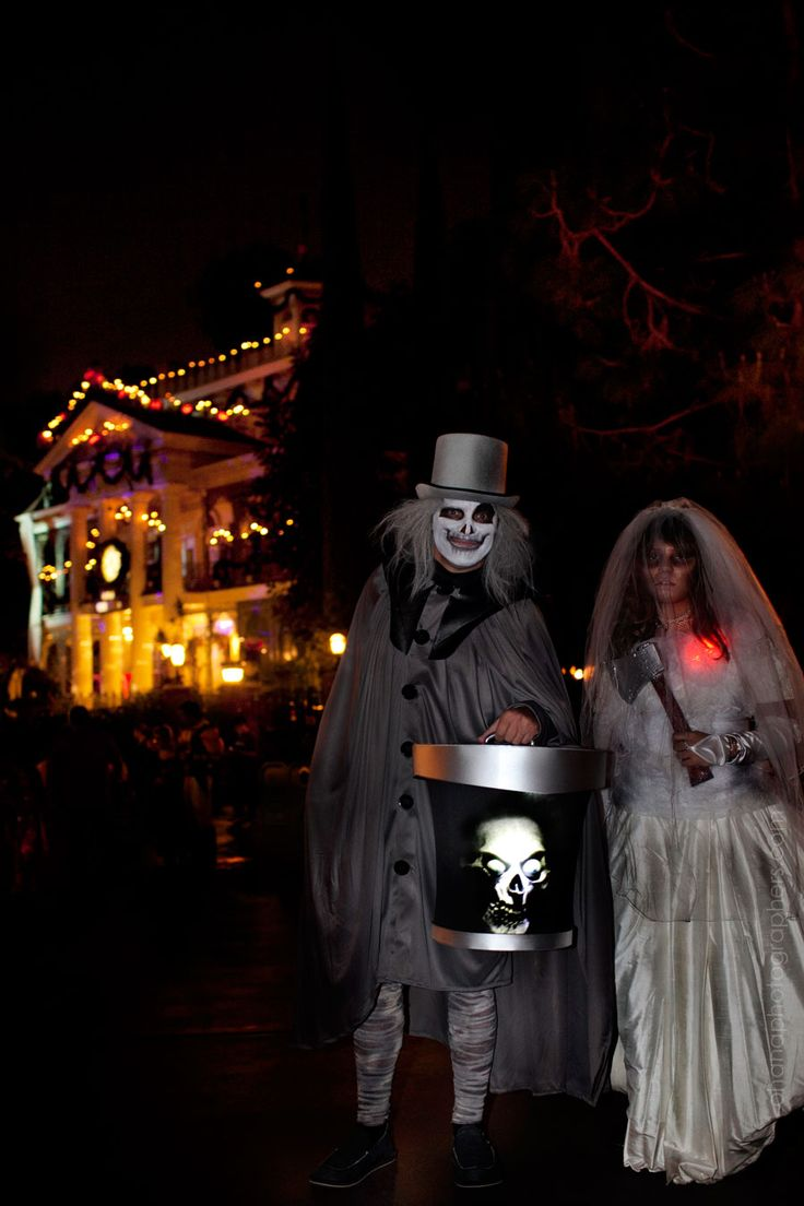 Disneyland Mickey's Halloween Party // Hatbox Ghost and ...