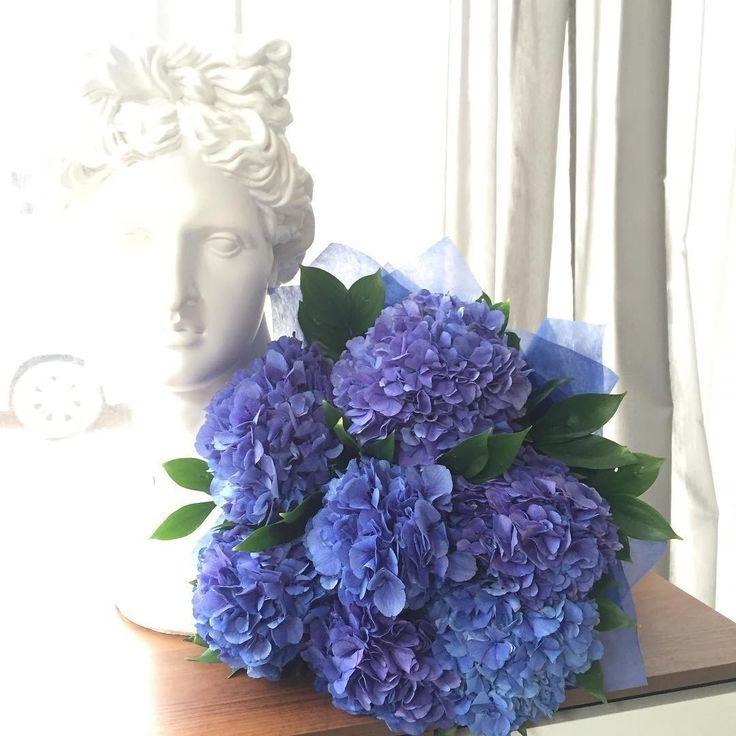 Ярких всем выходных @rd_design_decor #decoration #букет #цветы #flowers #цвет #galleria_arben #гортензии #color
