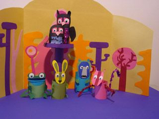 Paper tabletop puppets (or fingerpuppets). With patterns.
