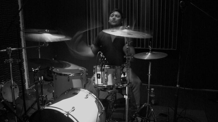 Malhaya on live studio session (Arbóreos)  © Sebastián B.    #music, #Arbóreos, #prog-metal, #post-metal, #psychedelic_metal, #Chile, #LoWords