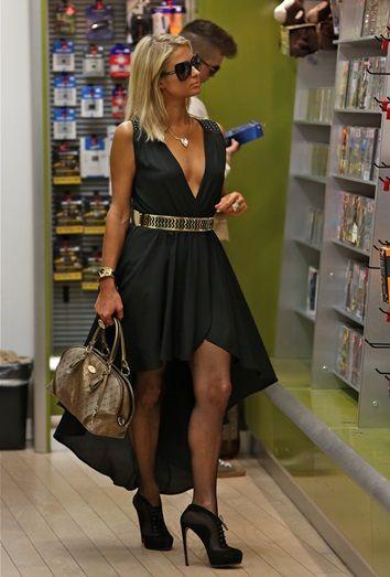 Vestidos cortos, asimetría a la moda