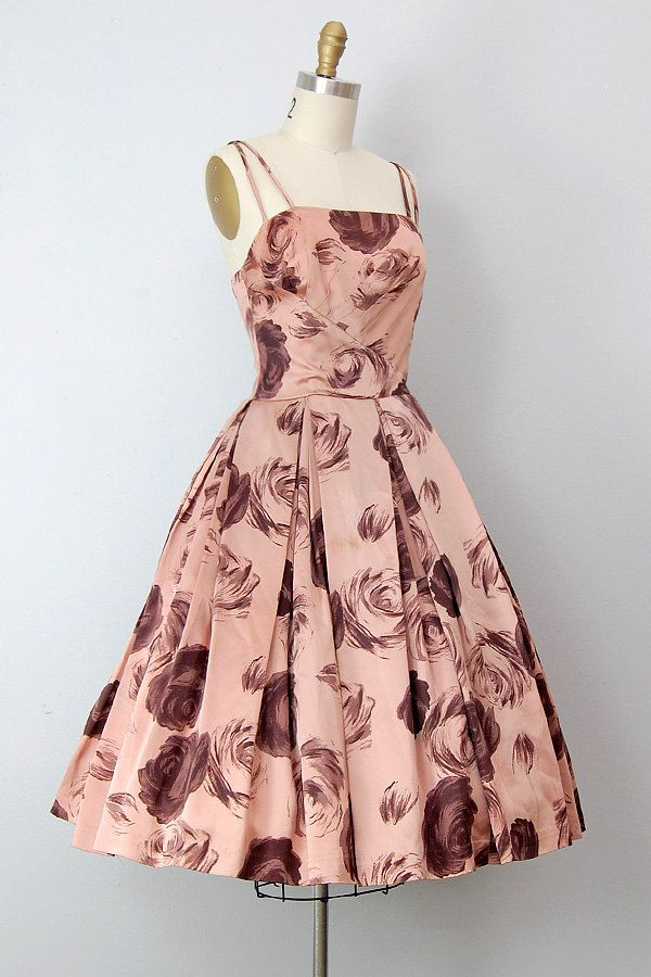 #fashion #floral #dress #1950s #partydress #vintage #frock #retro #sundress #floralprint #petticoat #romantic #feminine
