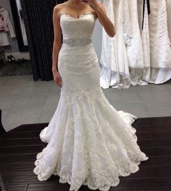 white and gold wedding sweetheart neckline lace trumpet wedding dress