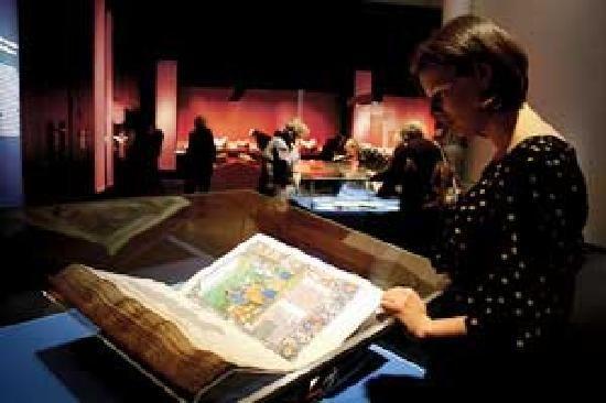 大英図書館 「死ぬまでに行ってみたい世界の図書館15」 トリップアドバイザー