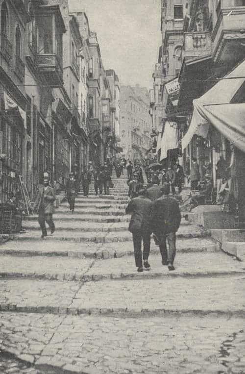 İstanbul'un tarihinde yürümek... #istanlook #nostalji