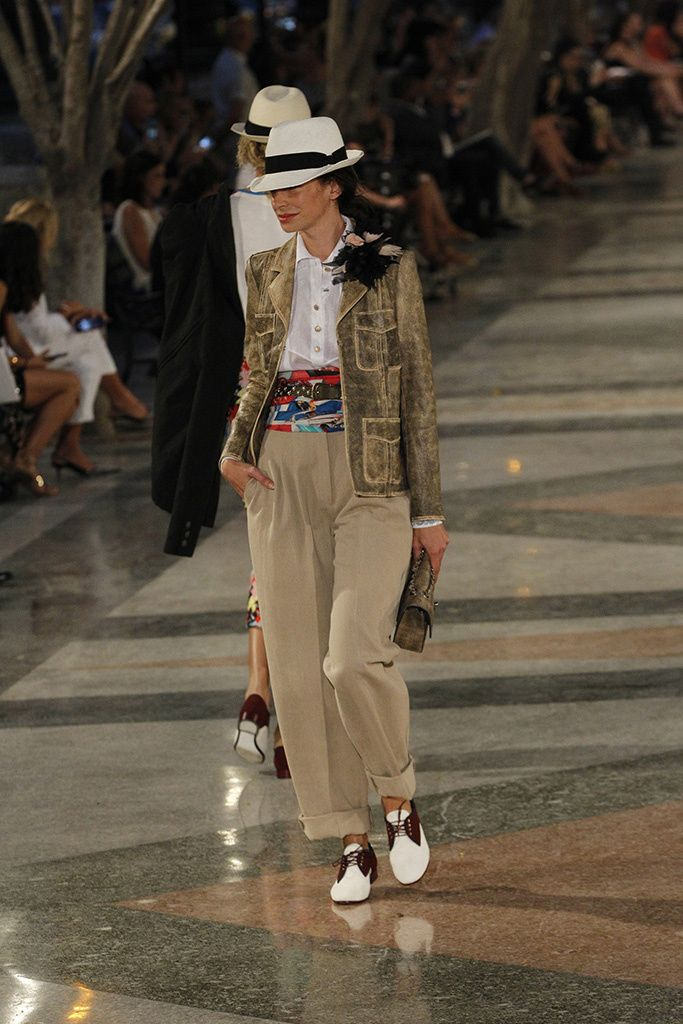 Chanel Cruiser 2017 in Havanna - Camel Plazzo trousers, sash and feathers