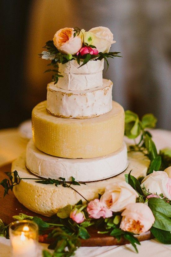 甘いものが苦手な新郎新婦なら、那須のチーズでケーキカットをするのもお洒落◎ 那須での結婚式のアイデア一覧。ウェディング・ブライダルの参考に。