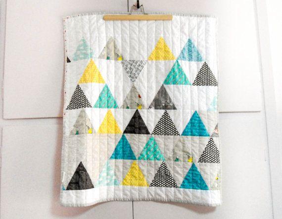 Modern Triangle Patchwork baby stroller quilt by nenimav on Etsy