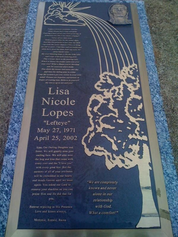 Grave Marker Lisa Nicole Lopes better known by her stage ...