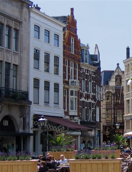 De Plaats, city center l Den Haag l The Hague l Dutch l The Netherlands