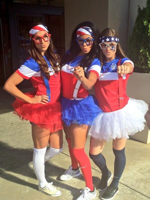PHOTO: Looks like @Sydney Leroux, @Alex Morgan & @Kelley O'Hara are ready for #GHAUSA! #USA - http://t.co/awZVZmwFSz http://t.co/ScVdsu5kTO- http://share.pixable.com/share/5GMV6/?tracksrc=SHPNAND3