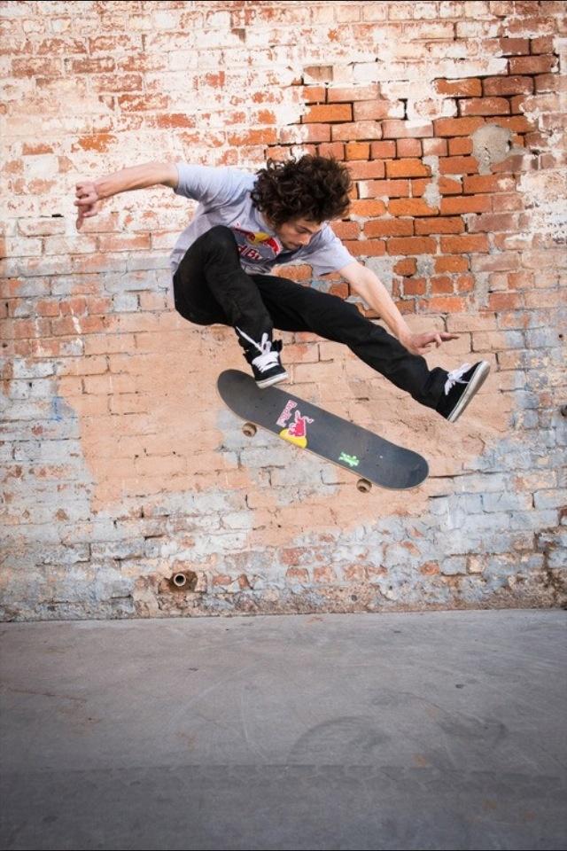 Torey Pudwill Skateboarding