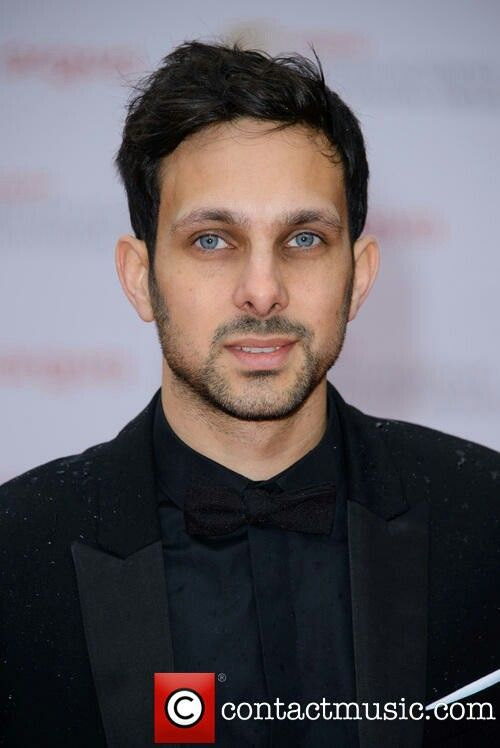 Dynamo....such an odd little guy....and I KNOW they are tricks....but SO clever!