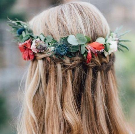 Corona de flores para el cabello: un must-have absoluto