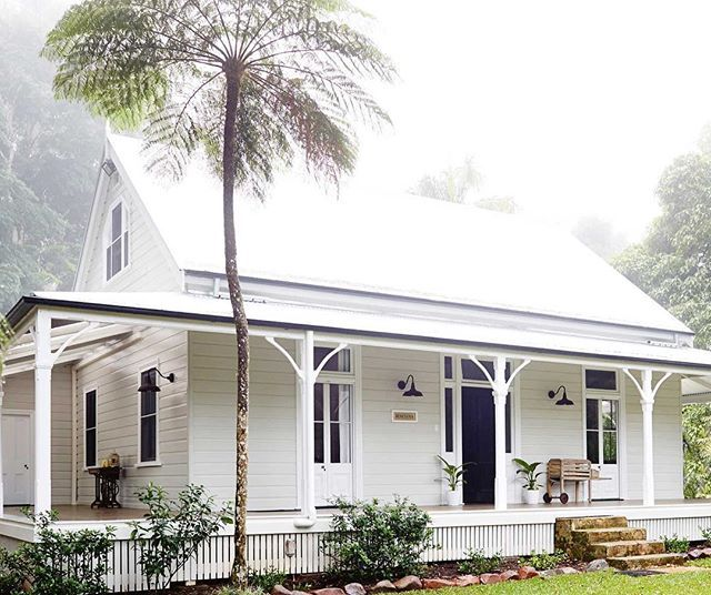 beautifully restored 1893 homestead in the Byron Bay hinterland surrounded by gardens and 100-year-old fig trees. Throughout October and November, Country Style readers will receive a 10 per cent discount when they book - find the discount code when you purchase our November issue. #countrystyleloves #countrystylemag #byronbay #weekendgetaway #takemeaway #australia