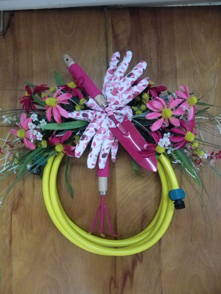 1000 Images About Garden Hose Wreath On Pinterest