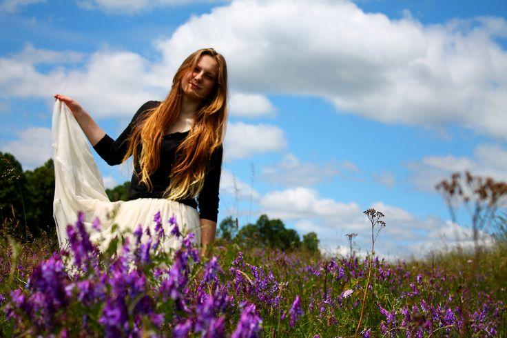 photo, zdjęcia, blue, green, łąka, lato, inspiration, girl, hair, kwiaty, purple, pink